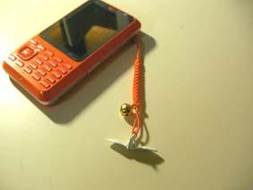 折り鶴のストラップ